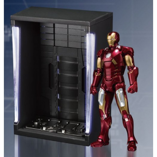 The Avengers - S.H. Figuarts Iron Man Mark VII 15cm w/ Hall of Armor SET Tamashii Web Exclusive