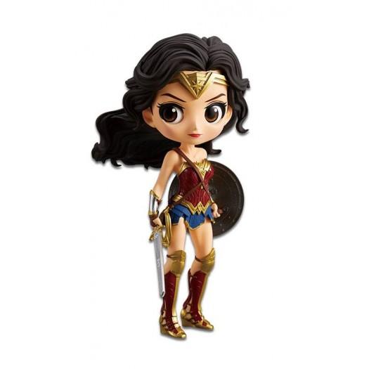 Justice League - Q Posket Wonder Woman Normal Color Ver. 14cm